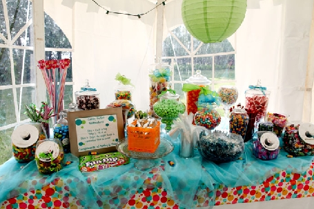 Wedding sweet tooth Sample custom candy buffet by local Winnipeg business